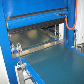 GERZ Gmbh - ISO-Therm-Schnelllauf-Rolltor Kühlhaus Medizinprodukte